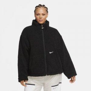 Женская куртка из материала Sherpa Nike Sportswear Swoosh (большие размеры) - Черный
