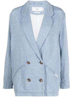 Пиджак с жатым эффектом Closed. Цвет: синий