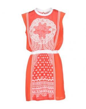 Короткое платье EMMA COOK. Цвет: красный