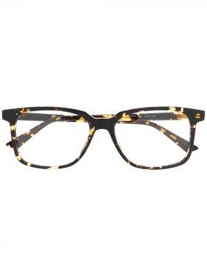 Очки в прямоугольной оправе Bottega Veneta Eyewear. Цвет: коричневый