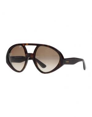 Солнечные очки VALENTINO. Цвет: темно-коричневый