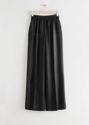 Широкие расклешенные брюки со складками &Other Stories. Цвет: черный