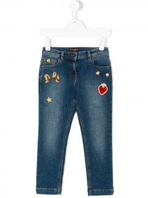 Джинсы с нашивками Dolce & Gabbana Kids. Цвет: синий