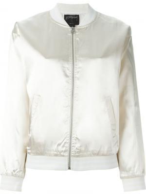 Куртка-бомбер с отливом Stussy. Цвет: белый