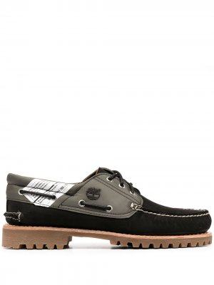 Multi-panel design loafers Timberland. Цвет: черный