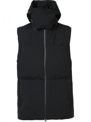 Пуховый жилет с капюшоном Y-3. Цвет: чёрный
