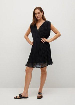 Короткое платье с плиссировкой - Mina Mango. Цвет: черный