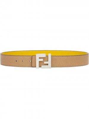 Двусторонний ремень с логотипом FF Fendi. Цвет: нейтральные цвета