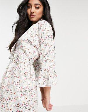 Атласный халат с рукавами оборками на рукавах и принтом луговых цветов -Белый Loungeable