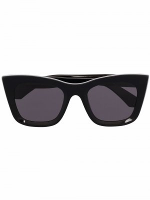 Затемненные солнцезащитные очки в оправе кошачий глаз Retrosuperfuture. Цвет: черный