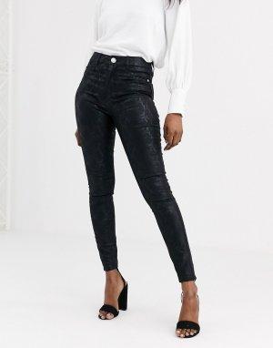 Черные зауженные джинсы со змеиным принтом -Черный Lipsy