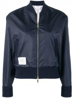 Куртка-бомбер с полосками на спине Thom Browne. Цвет: синий
