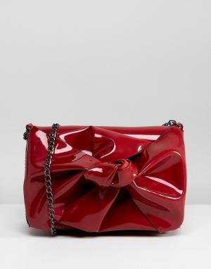 Лакированная сумка на плечо с ремешком-цепочкой New Look. Цвет  красный 3876b4176a638