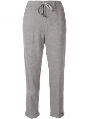 Классические брюки с украшением из жемчуга Ermanno. Цвет: серый
