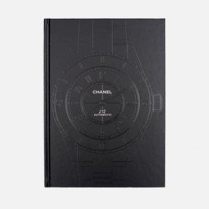 Книга Chanel Eternal Instant Thames & Hudson. Цвет: чёрный