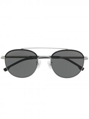 Солнцезащитные очки в круглой оправе BOSS. Цвет: серебристый