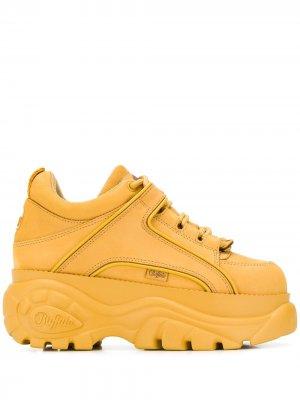 Кроссовки на массивной платформе Buffalo. Цвет: желтый