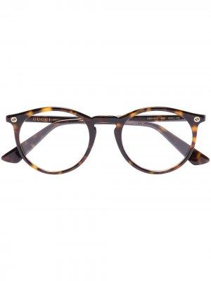 Очки в оправе черепаховой расцветки Gucci Eyewear. Цвет: коричневый