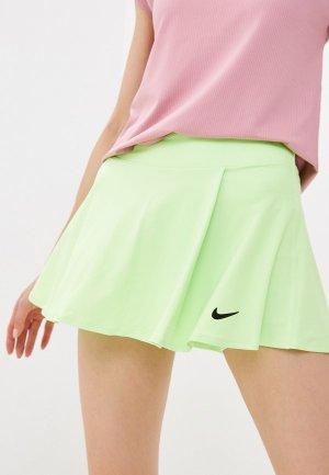 Юбка-шорты Nike W NKCT DF VCTRY FLOUNCY SKIRT. Цвет: зеленый