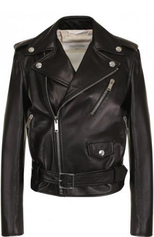 Кожаная куртка с поясом и косой молнией Valentino. Цвет: черный