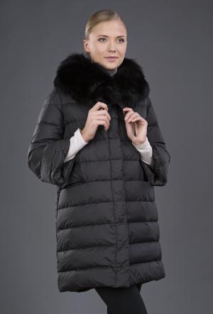 Прямой женский пуховик с рукавами три четверти AFG. Цвет: черный