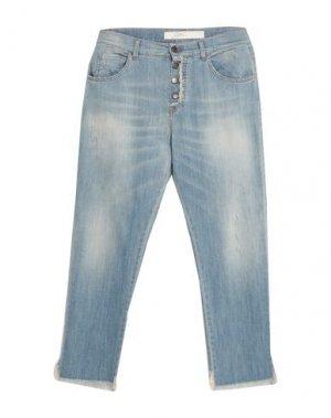 Джинсовые брюки-капри SOALLURE. Цвет: синий