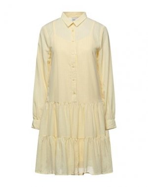Короткое платье ICHI. Цвет: желтый