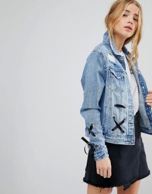 Джинсовая куртка со шнуровкой Urban Bliss. Цвет: синий