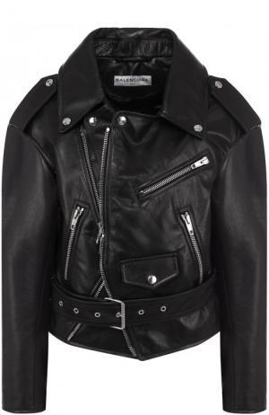 Укороченная кожаная куртка с косой молнией Balenciaga. Цвет: черный