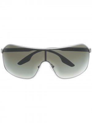 Солнцезащитные очки в массивной оправе Prada Eyewear. Цвет: 7cq-1x1