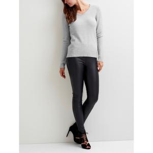 Пуловер с V-образным вырезом из тонкого трикотажа VILA. Цвет: светло-серый меланж,серо-бежевый,черный