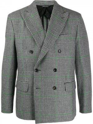 Двубортный пиджак в клетку LC23. Цвет: серый