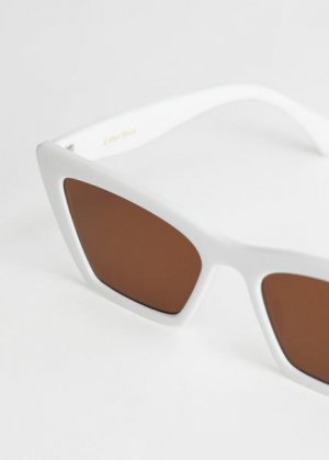 Солнцезащитные очки заостренной формы кошачий глаз &Other Stories. Цвет: белый