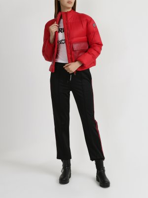 Короткая куртка с большими карманами Armani Exchange. Цвет: krasnyy