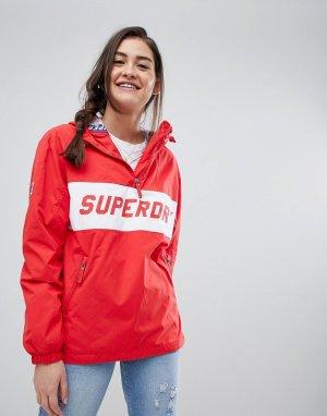 Ветровка с логотипом Superdry. Цвет: красный