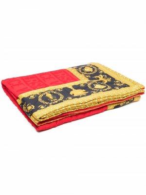Пляжное полотенце с принтом Versace. Цвет: красный