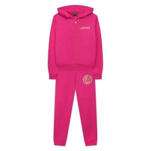 Комплект из толстовки и брюк Versace. Цвет: розовый