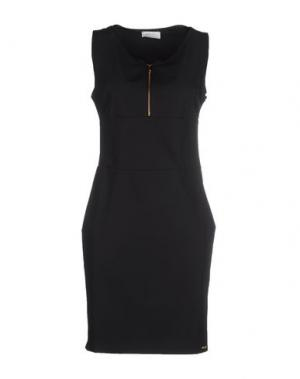 Короткое платье DEKKER. Цвет: черный