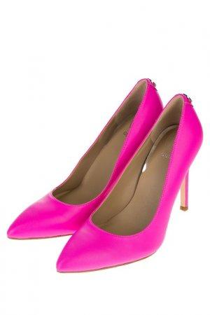 Туфли Guess. Цвет: розовый