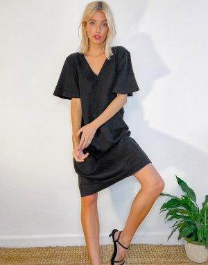 Черное платье в стиле oversized с V-образным вырезом горловины -Черный b.Young