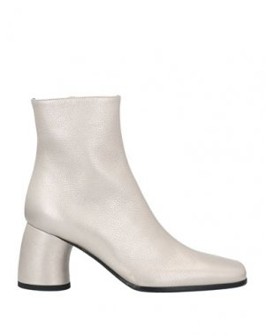 Полусапоги и высокие ботинки ANN DEMEULEMEESTER. Цвет: платиновый