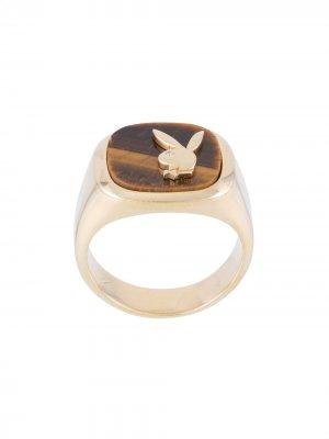 Перстень из коллаборации с Playboy Hatton Labs. Цвет: желтый-tig