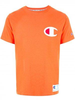 Футболка с нашивкой-логотипом Champion. Цвет: оранжевый