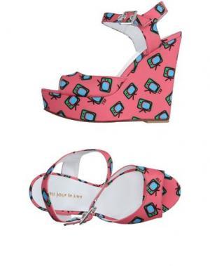 Сандалии AU JOUR LE. Цвет: лососево-розовый