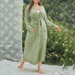 Ночная рубашка большого размера с двумя карманами и поясом SHEIN. Цвет: оливково-зеленый