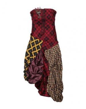 Короткое платье B2. Цвет: красный