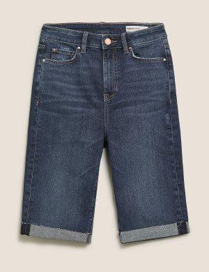 Джинсовые шорты до колена с потертостями M&S Collection. Цвет: умеренный индиго