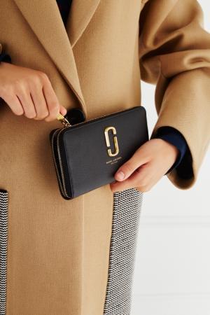 Кожаный кошелек Marc Jacobs. Цвет: черный