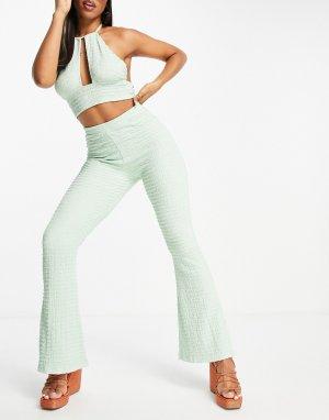 Фактурные расклешенные пляжные брюки шалфейно-зеленого цвета -Зеленый цвет ASOS DESIGN