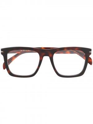 Солнцезащитные очки в прямоугольной оправе черепаховой расцветки Eyewear by David Beckham. Цвет: коричневый